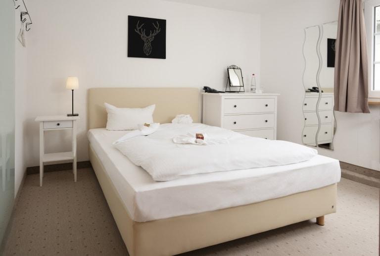 Einzelzimmer-Beispiel im Hotel Schiff am Schluchsee im Schwarzwald